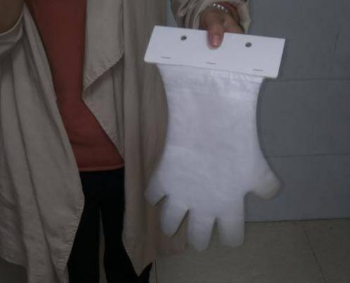 Disposable no touch CPE header card pack gloves