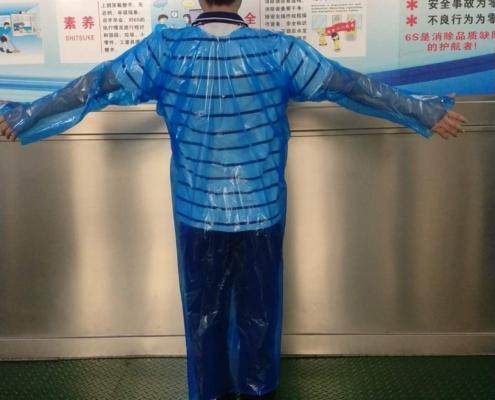 Disposable Good Quality Cheap CPE PE fluid-resistance thumbs loop gown BACK